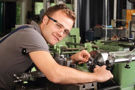 Maschinenversicherung & Maschinenbruchversicherung / AXA