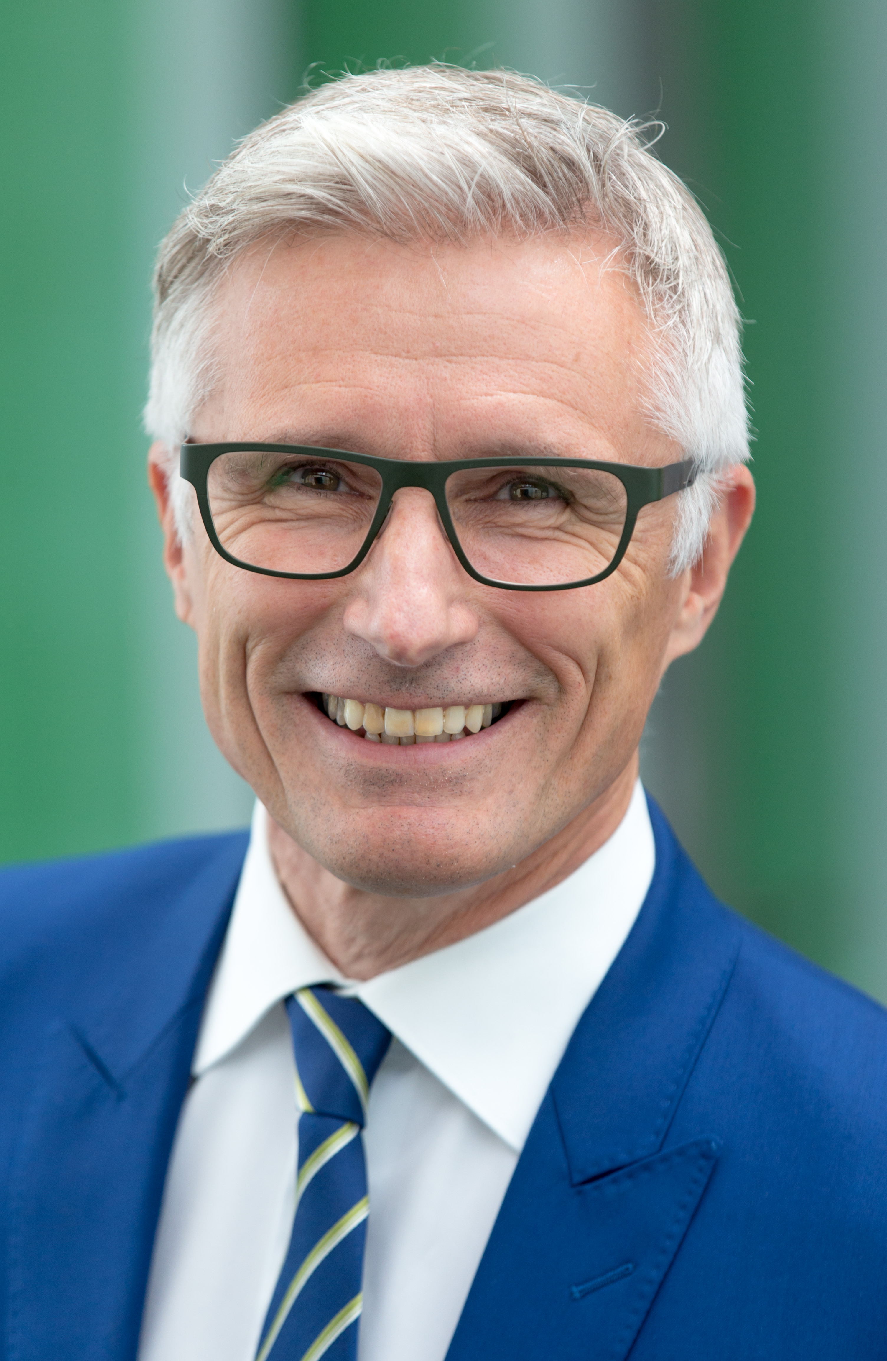Thierry Dacourt wird Chief Executive Officer der AXA Corporate Solutions Deutschland